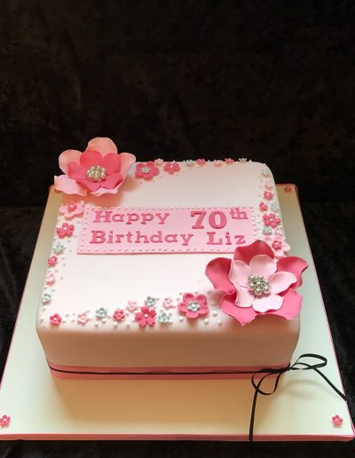 Female-cakes (5)